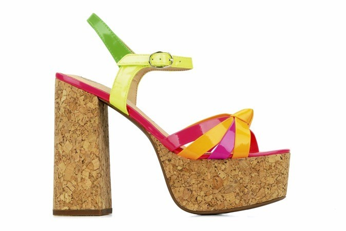 Sandales compensées, Jeffrey Campbell. 110 €