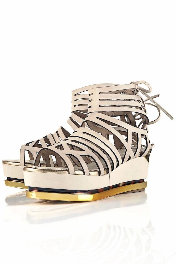 Les chaussures à plates formes en cuir, collection unique chez Topshop 143 € !