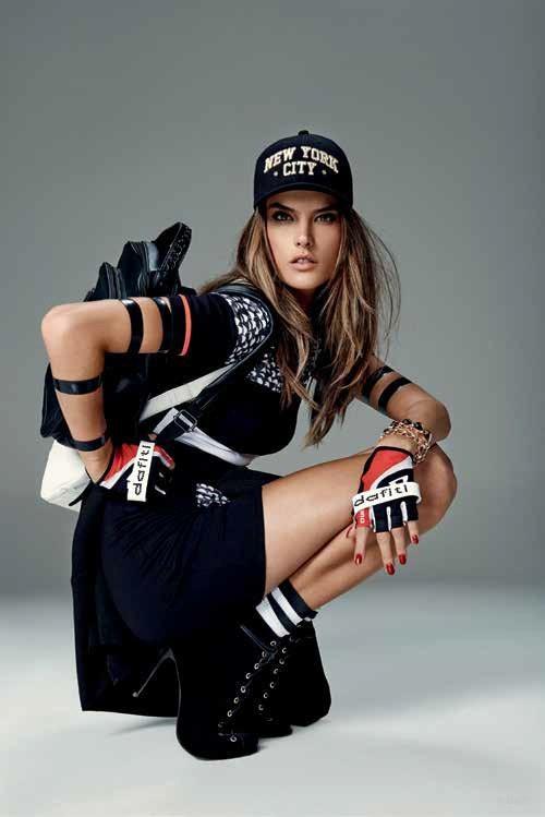 Alessandra Ambrosio, une vraie ninja pour Dafiti !