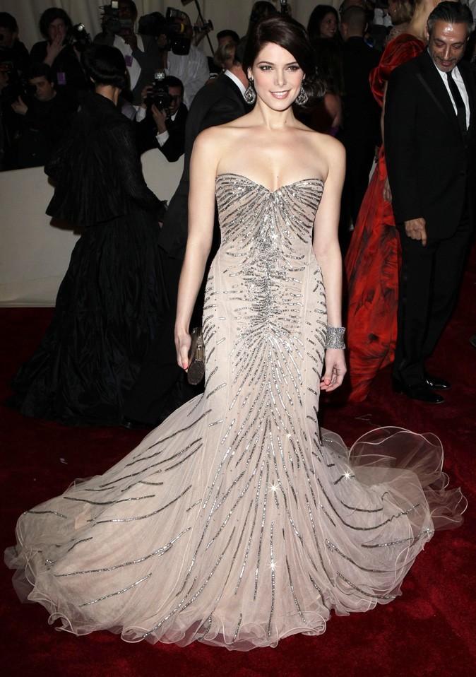 Ashley Greene dans une robe DKNY en 2011