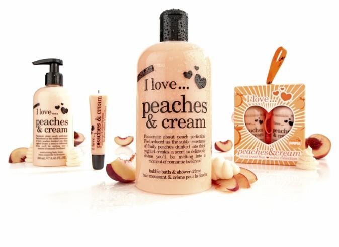 """Gamme de soin """"Peaches & cream"""" Parfumerie Douglas"""
