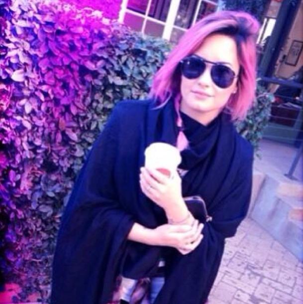 Demi Lovato avant que son chemin ne croise celui d'un rasoir !
