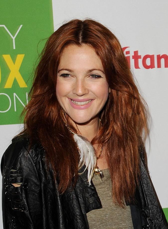 Drew Barrymore : des yeux verts mis en valeur par cette nouvelle couleur de cheveux !