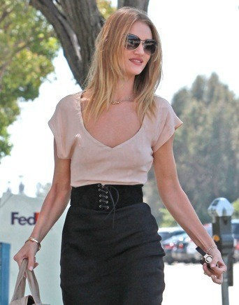Rosie Huntington avant...