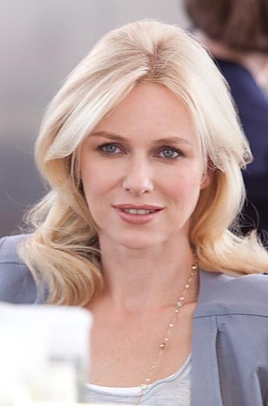 Naomi Watts pour Pantene : Une blonde sexy pour égaler la brune Eva Mendes !