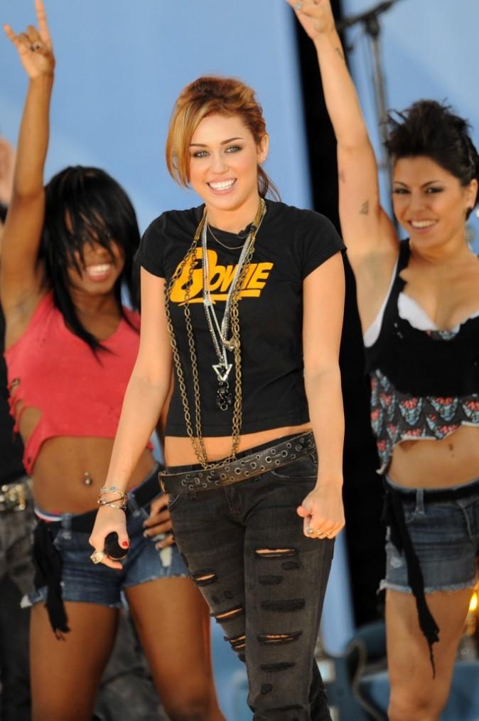2010: Lors d'un concert pour ABC , Miley ose le court !