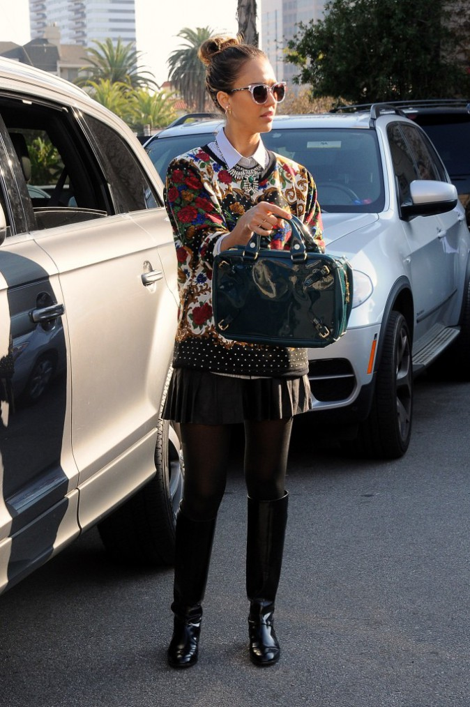Jessica Alba, jamais sans son chignon !