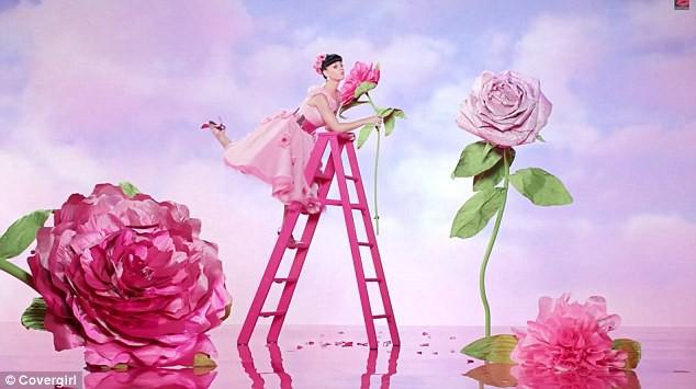 Beauté : Katy Perry : une princesse au pays... des longs cils !