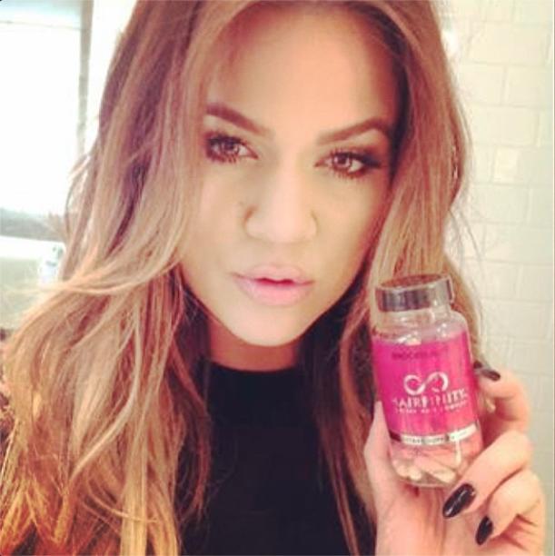 Beauté : Khloe Kardashian : l'évolution de sa bouche gonflée à bloc !