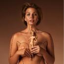 Katie Halchishick a montré toutes les opérations qu'il faut subir pour être comme Barbie !