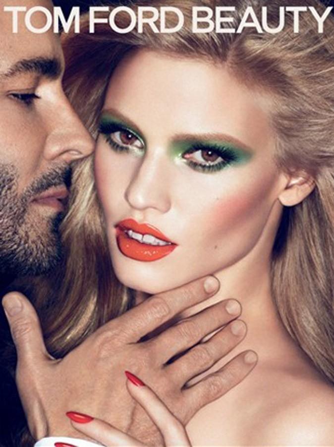 Make-up appuyé sur les yeux et la bouche pour Lara Stone, by Tom Ford
