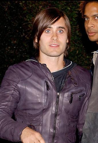 Jared Leto à une soirée associative organisée par Marc Jacobs, le17 mars 2005.