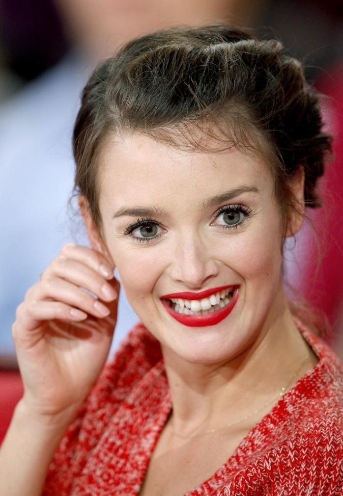 Charlotte Le Bon assume sa dentition imparfaite !