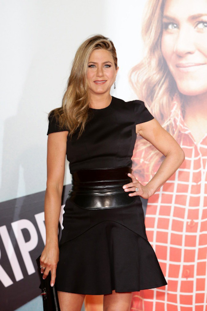 Jennifer Aniston conserve une chevelure de rêve grâce à son coiffeur, mais jusqu'à quand ?