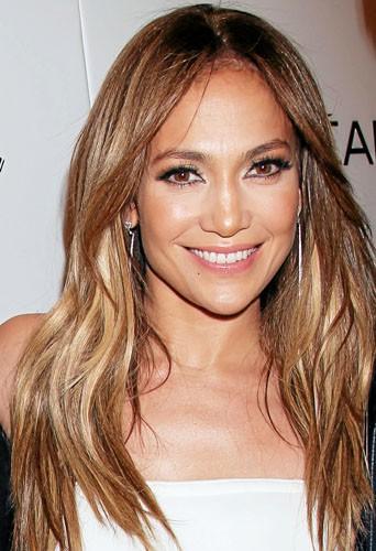 Mes lèvres sont fnes, je fantasme sur le sourire de J. Lo