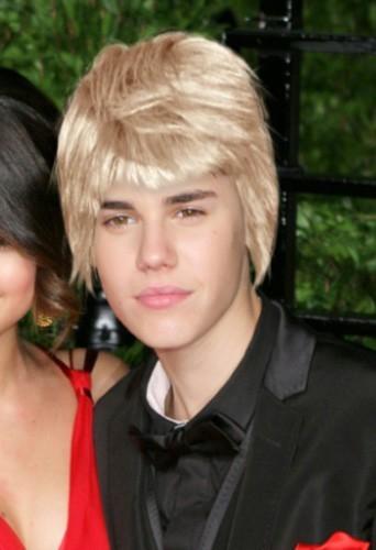 Beauté : le relooking cheveux blonds de Justin Bieber