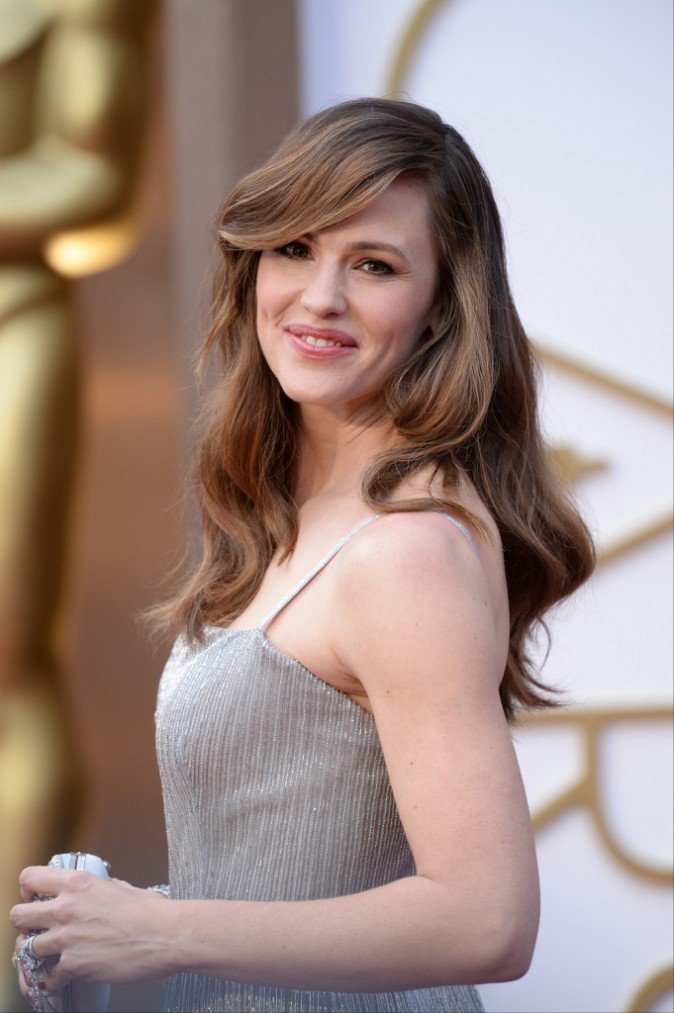 Jennifer Garner a choisi la chevelure ondulée propre à Hollywood