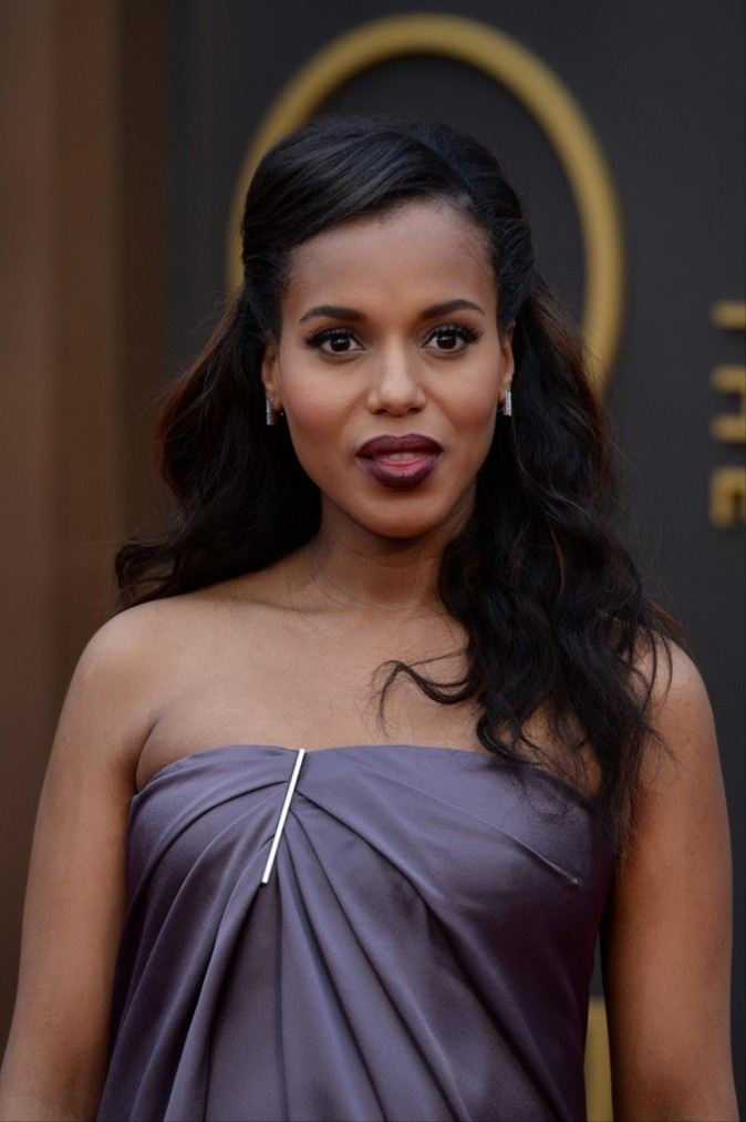 Kerry Washington a choisi la chevelure ondulée propre à Hollywood