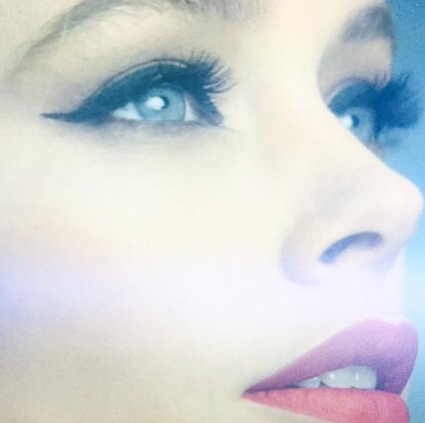 Beauté : Photos : Doutzen Kroes : Une nouvelle campagne glamour et sensuel pour L'Oréal Paris !