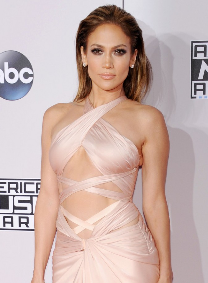 Photos : Taylor Swift, Jennifer Lopez, Kate Beckinsale... découvrez les 10 plus beaux make-up des Ama's 2014 !