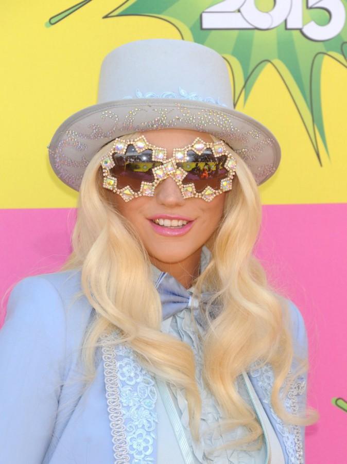 Coiffures de Ke$ha : découvrez le CV capillaire de la chanteuse !