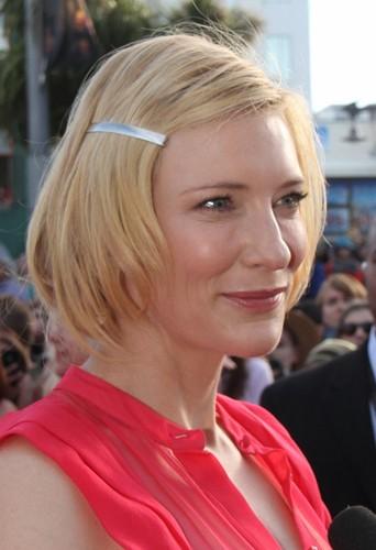 Cate Blanchett elle aussi a succombé au carré.