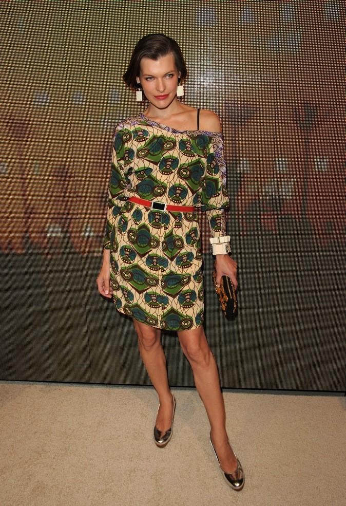Milla Jovovich, porte une variante de l'imprimé Marni by H&M.