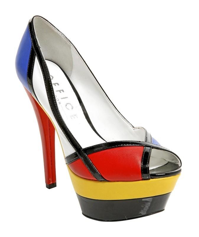 9. Mondrian, à la mode... Escarpins à plateforme, Office. 115 €.
