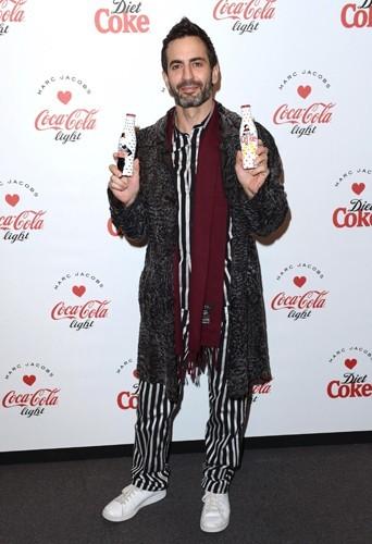 Marc Jacobs dévoile ses bouteilles de Coca-Cola Light 2013 à Londres !
