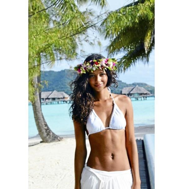 """Juillet 2014 """"Treize destinations en un an! J'ai eu beaucoup de chance. Ma préférée restera Tahiti et ses paysages de carte postale."""""""