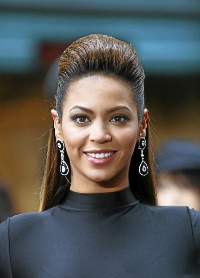 Beyoncé ose l'effet coque, qui lui va plutôt bien !