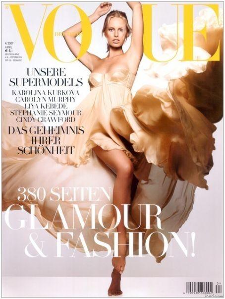 Karolina Kurkova en couverture du Vogue Allemand !