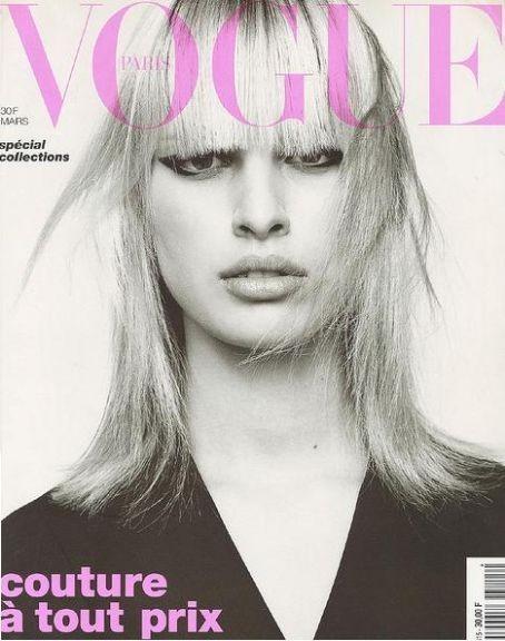 Karolina Kurkova en couverture du Vogue Paris !