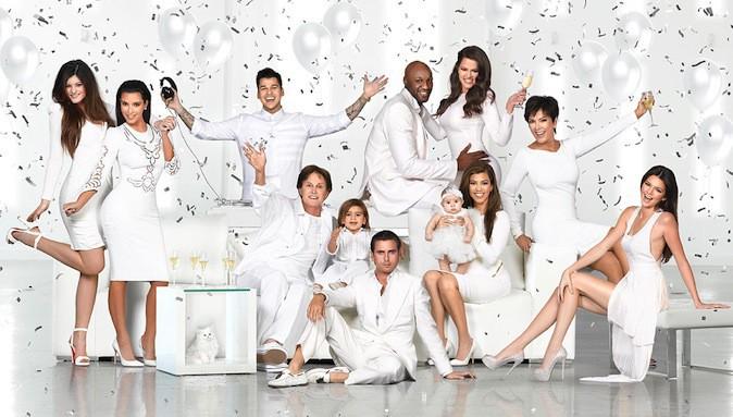 La carte de voeux de la famille Kardashian 2012, tous en blanc !