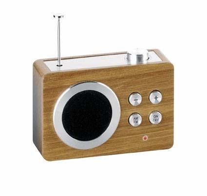 Mini radio en bambou, Lexon. 69 €.