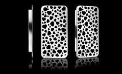 Coque iPhone en argent brossé, Umberto Bellini. 349 €.