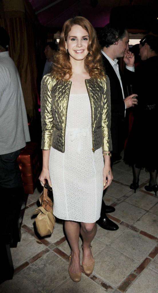 Petite veste dorée pour la soirée Universal Music