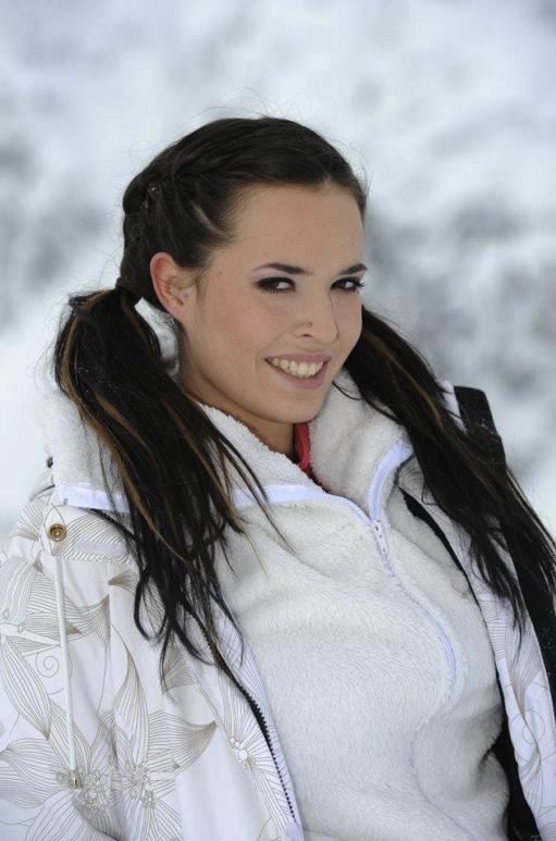 Kelly dans Les Ch'tis font du ski