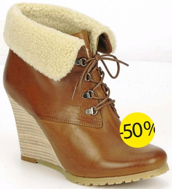 Cette paire de bottines compensées Atelier Voisin est à 137,50 € au lieu de 275 € sur Spartoo.com