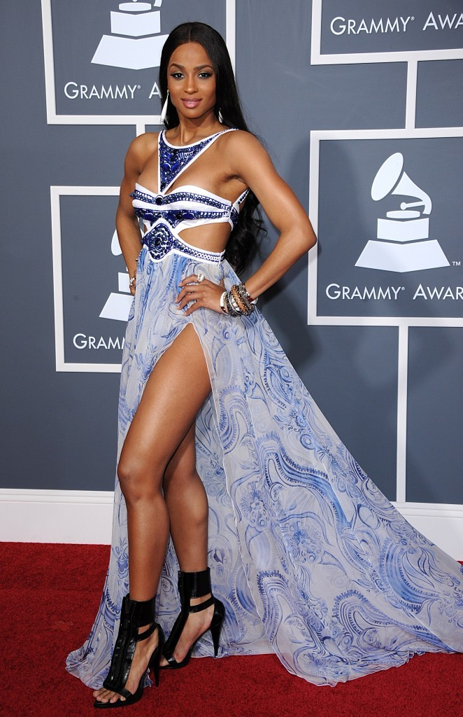 Look : Ciara se dénude aux Grammy Awards 2011