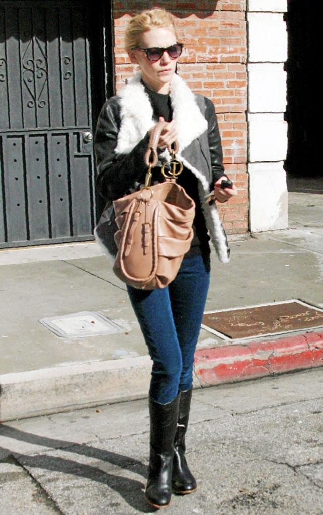 Look de star : le sac Libertine de Dior porté par January Jones