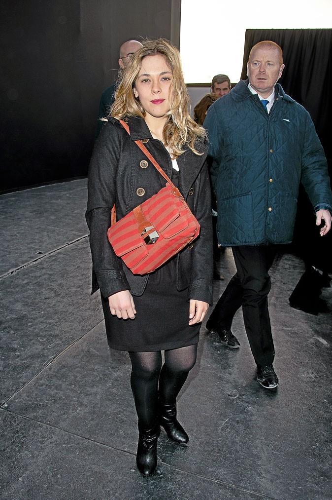 Look de star : Alysson Paradis porte le sac Sonia Rykiel