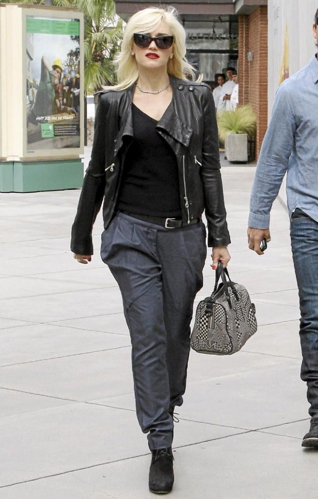 Look de star : le perfecto en cuir de Gwen Stefani