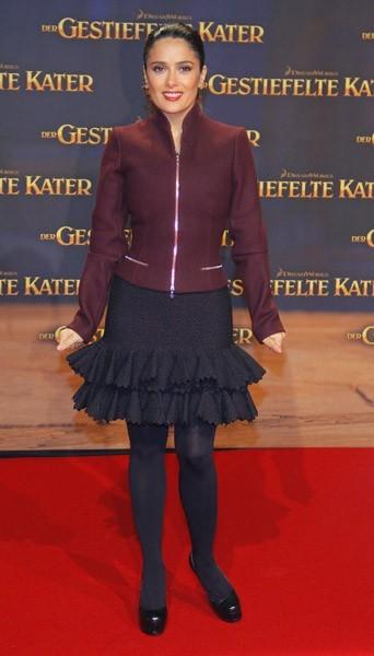 En veste zippée et jupe
