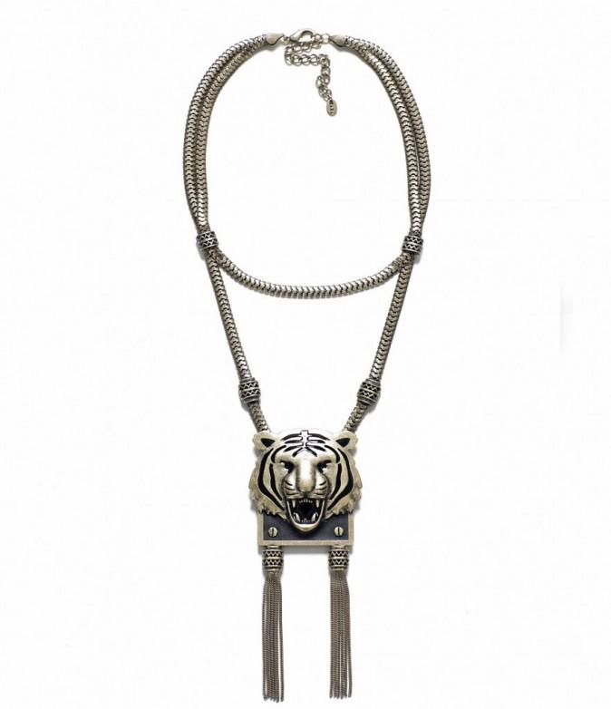 Collier en métal, Zara. 19,95 euros