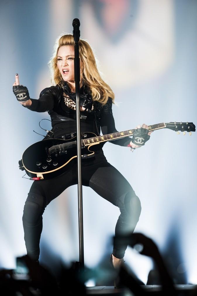 Sur scène, elle mise sur la vulgarité !