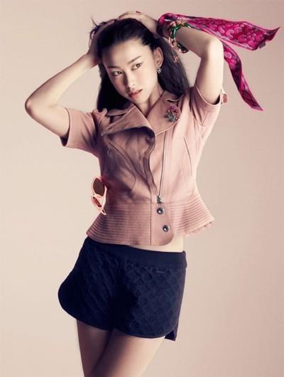 La présentatrice TV Zhu Zhu pour les bijoux Louis Vuitton