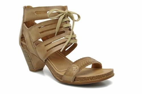 Sandales en cuir, Stéphane Gontard, 145 euros
