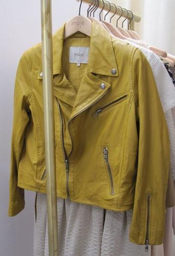 Mode : le perfecto jaune moutarde de Maje