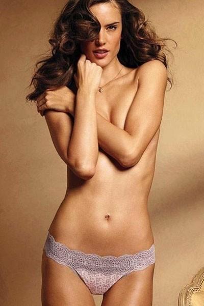 Mode: Alessandra Ambrosio, l'ange sexy de la campagne lingerie Victoria's Secret!
